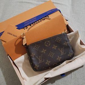 Louis vuitton mini pochette accessories